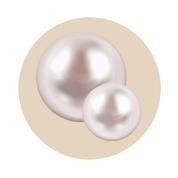 Perlový extrakt z morských mušlí je zdrojom vápnika a aminokyselín, posilňuje zubnú sklovinu a vyživuje ďasná.